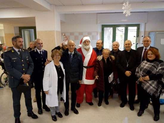 Il Babbo Natale Anap in visita ai bambini ospiti dell'Istituto Don Gnocchi - Bignamini di Falconara