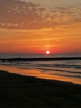 lido di jesolo al tramonto