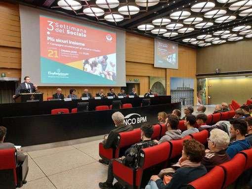 Svolto a Novara un convegno contro le truffe agli anziani