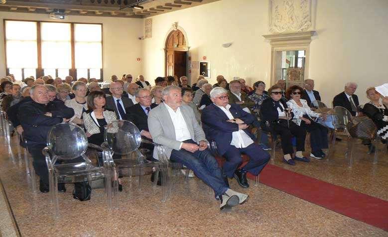 pubblico durante l'ottava giornata del pensionato a sacile