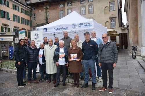 ANAP e ANCoS Udine con il gazebo informativo